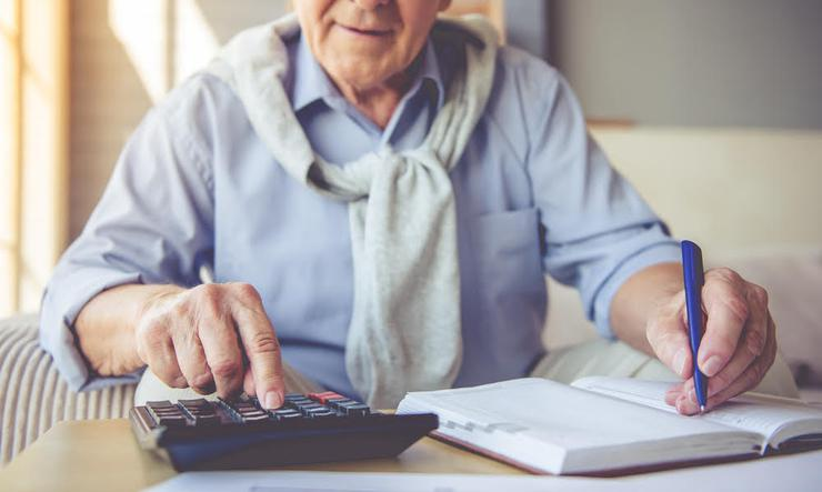 Calculate benefits and tax credits for seniors